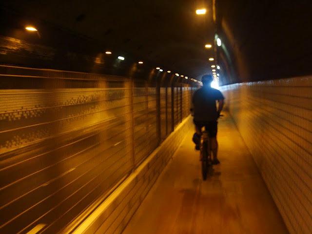 Ciclovia no Túnel