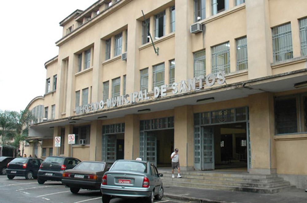 Mercado Municipal passa a ter estacionamento regulamentado