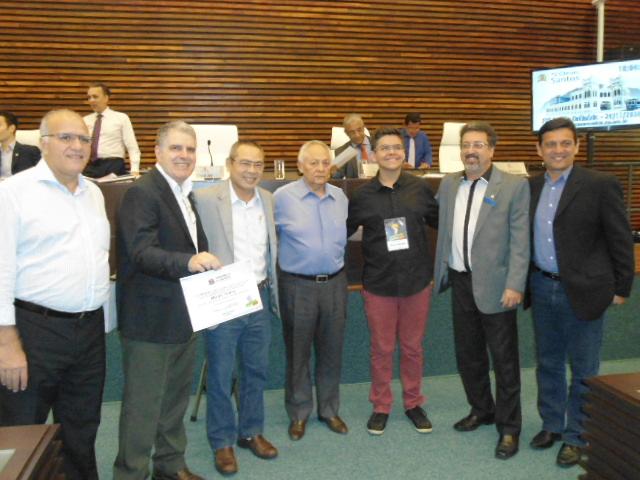 Deputado Jovem visita plenário Oswaldo de Rosis