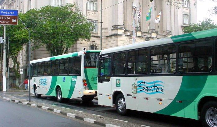Retirada de ponto de ônibus causa indignação