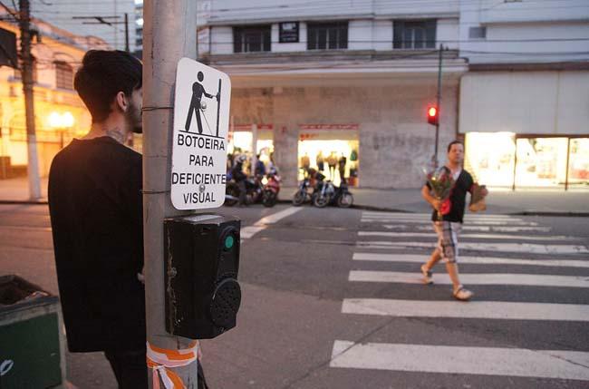 Sinais sonoros ainda são deficientes na cidade