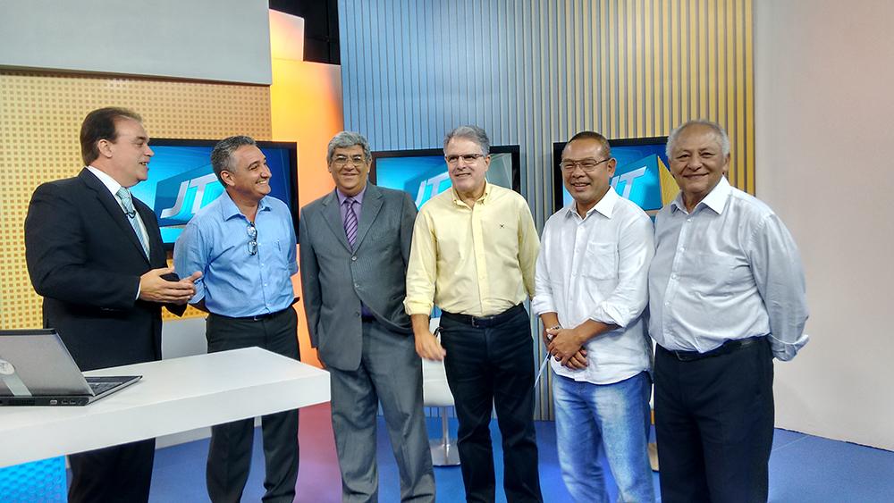Vereadores tucanos conhecem a nova sede da TV Tribuna